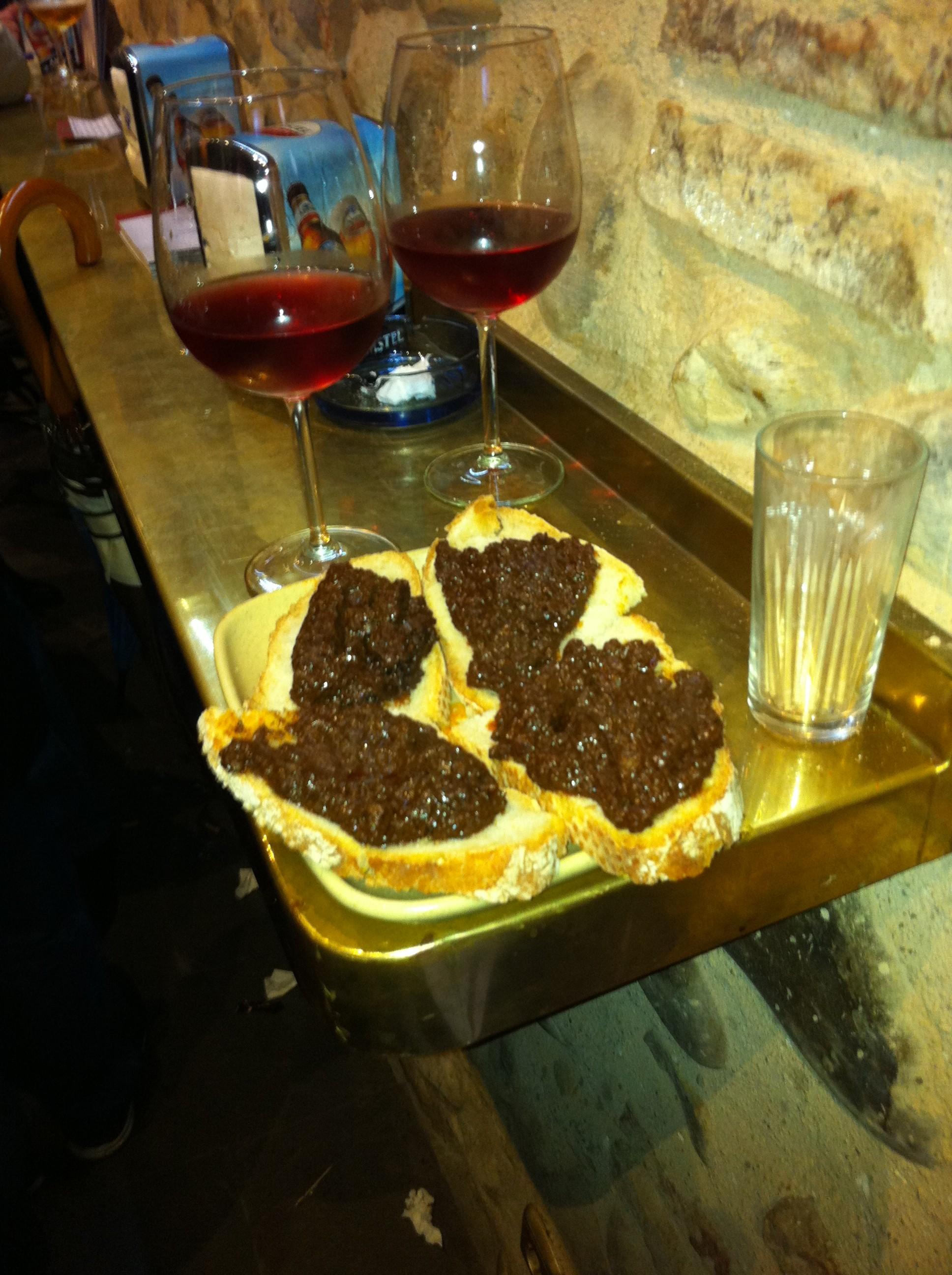 Típica tapa de morcilla, Bar El Grifo