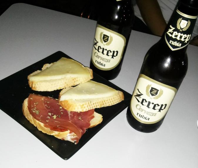 Cerveza Zerep y tapa en el Grifo