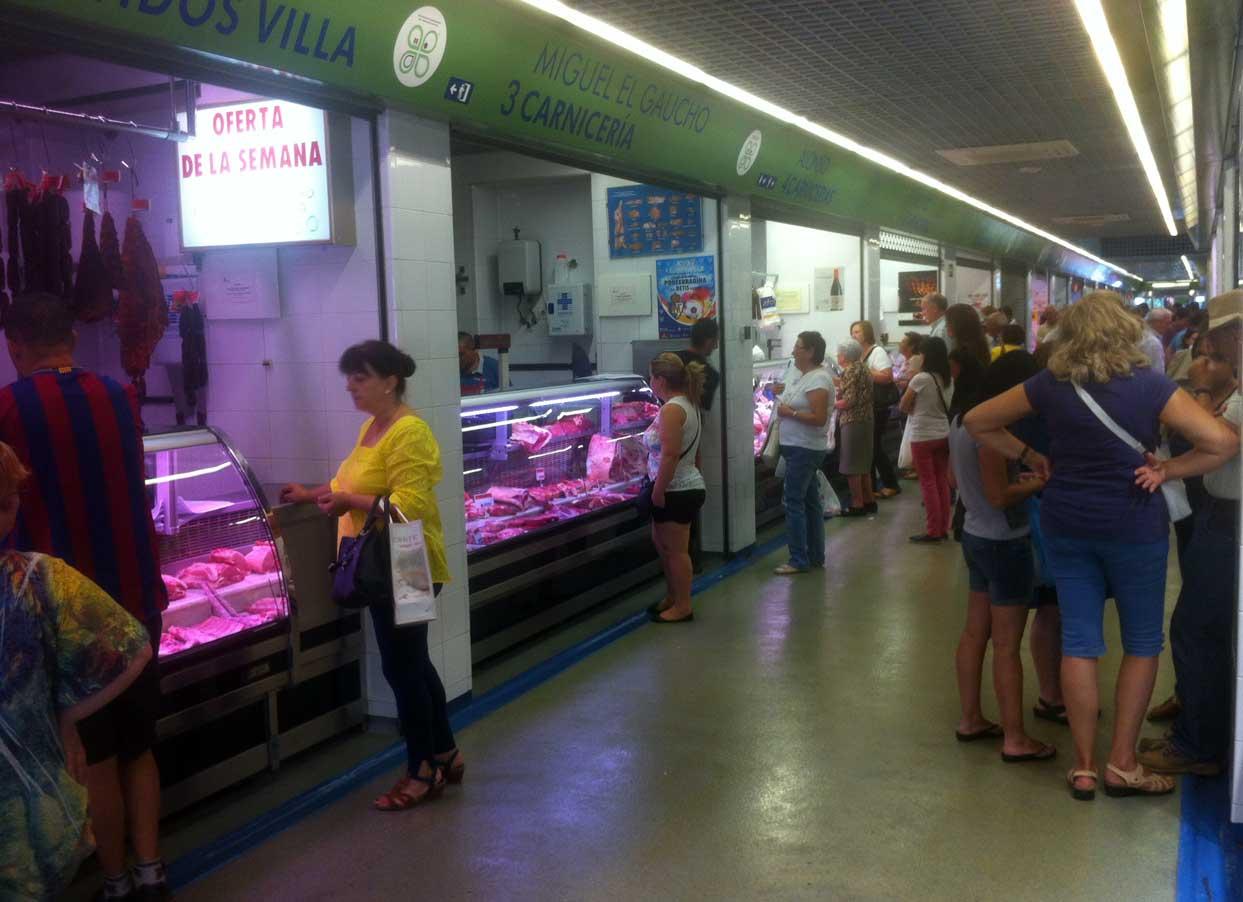 Interior del mercado de abastos en Ponferrada